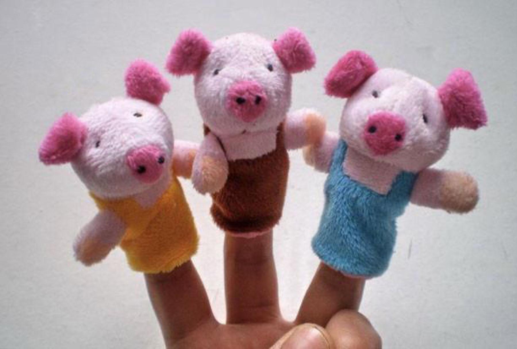 Créditos: http://squoodles.co.nz/products/3-little-pigs-finger-puppets-set-of-8/